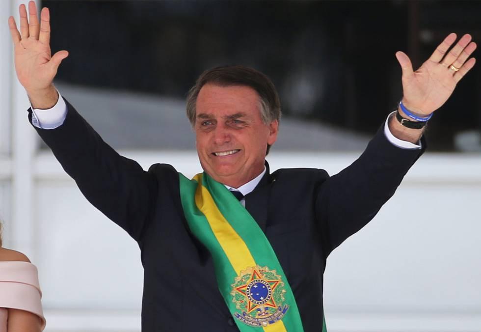 Bolsonaro toma posse no primeiro dia de 2019