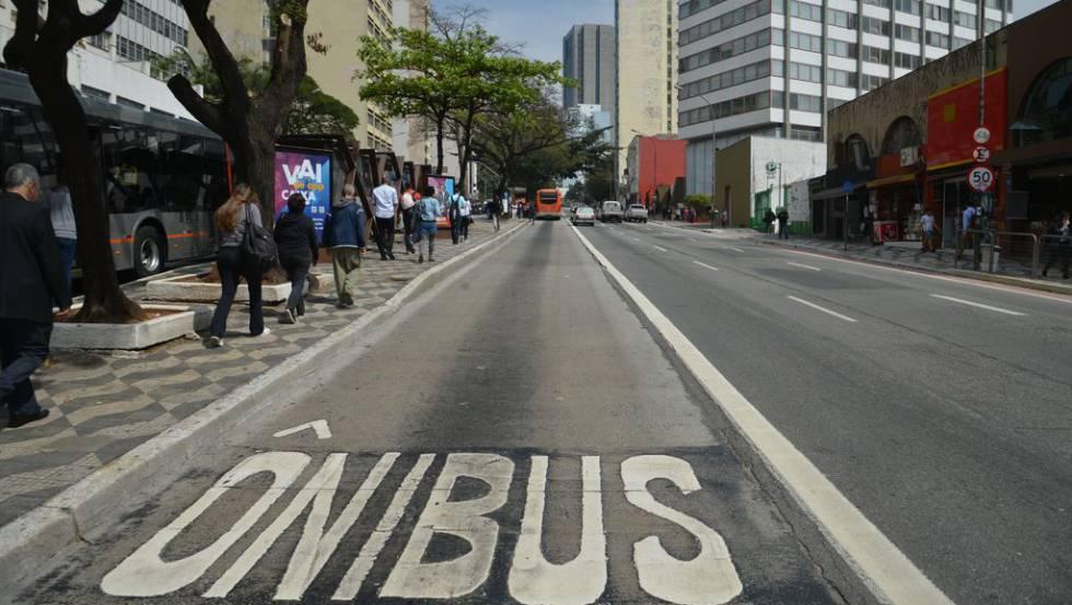 Faixa de ônibus na rua da Consolação, região central de São Paulo.
