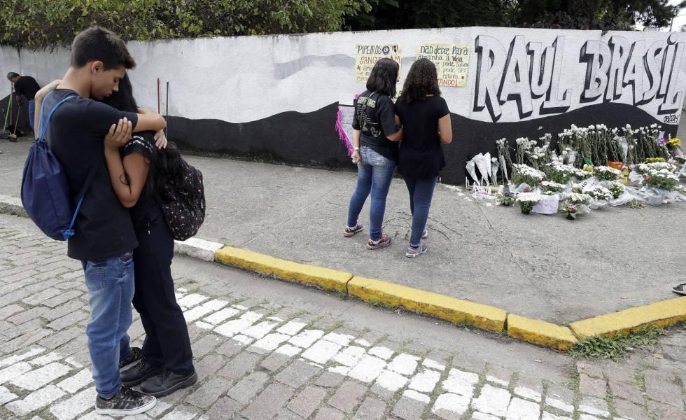 fe0ec94d02d02 Massacre de Suzano  Polícia investiga se adolescente ajudou dupla a  planejar ataque