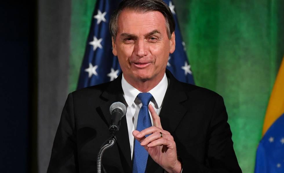 Bolsonaro discursa na Câmara de Comércio em Washington.