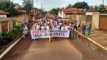 Moradores de Rio dos Bois em uma ação da Secretaria de Saúde do município.