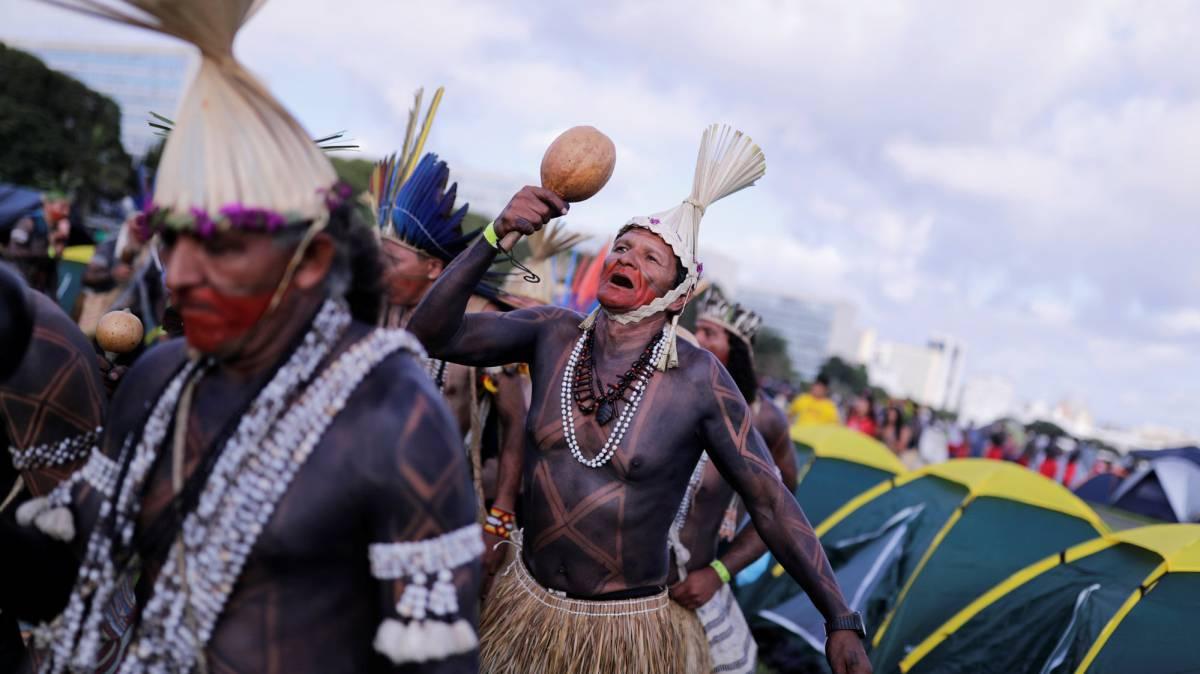 Indígenas acampados en Brasilia este miércoles.
