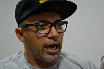 Dom Red é cria da Serrinha, militante do Consulta Popular no Ceará e atualmente tem encabeçado o movimento de saraus em Fortaleza.
