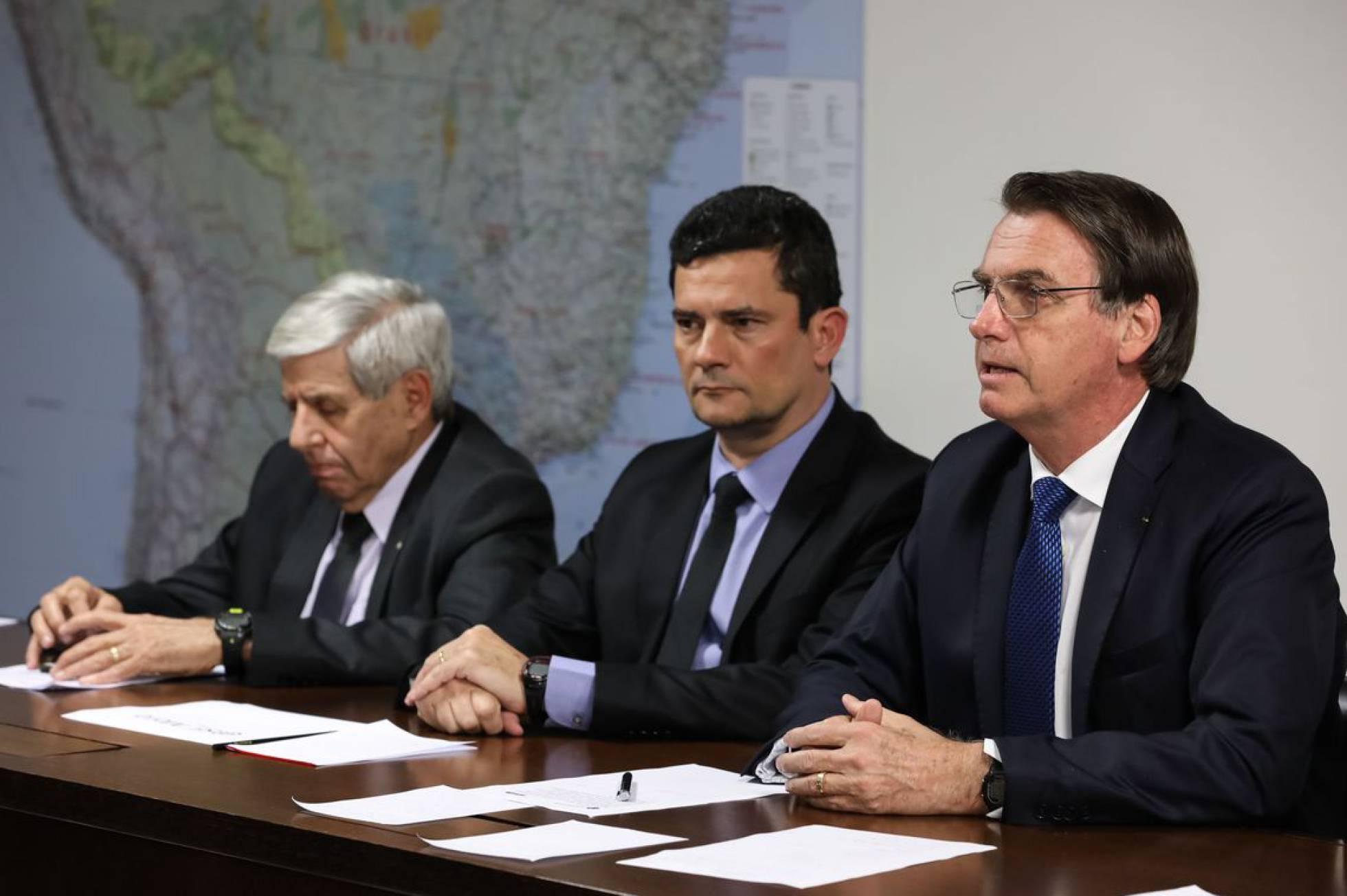 """Próxima vaga do STF é de Sérgio Moro, o """"compromisso"""" público de Bolsonaro"""