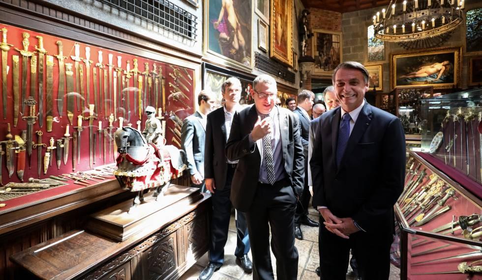 Bolsonaro, em visita ao Instituto Ricardo Brennand, no Recife nesta sexta-feira. rn rn
