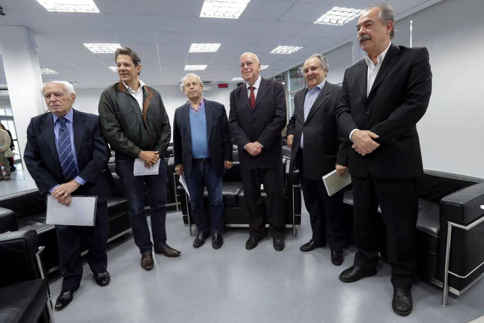 Resultado de imagem para ex ministros contra bolsonaro