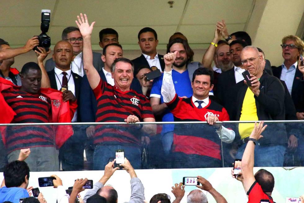 Partida entre CSA e Flamengo na noite de quarta-feira (12), no estádio nacional de Brasília