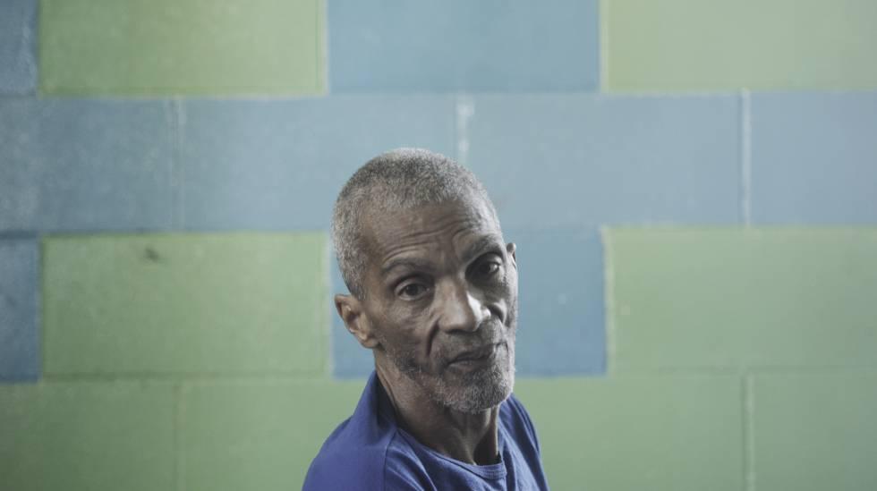 Edson Martins de Oliveira, 64, preso por agredir a companheira.