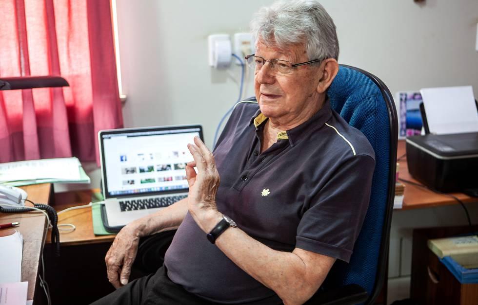 Dom Erwin conversa com o EL PAÍS em seu escritório em Altamira, na última segunda.