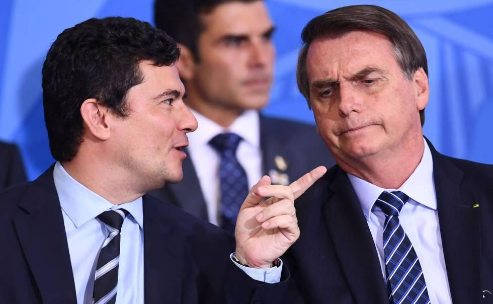 Presidente Jair Bolsonaro e ministro Sergio Moro, em uma cerimônia em Brasília.