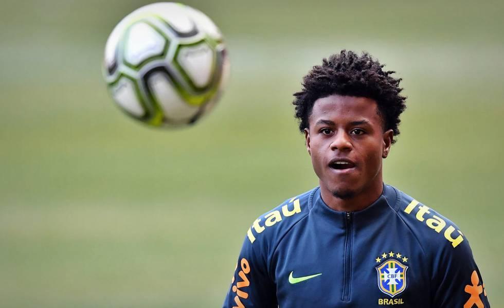 Lucas Santos Vasco favela