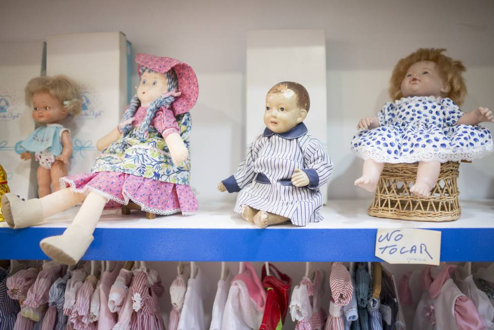 a6dbecb4f La policlínica de Bebés, setenta años operando muñecas   Cataluña ...