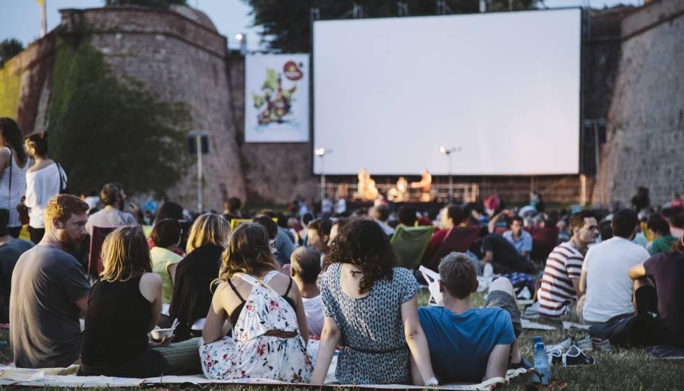 Cinc llocs per gaudir del cinema a la fresca a barcelona for Cinema fresca montjuic