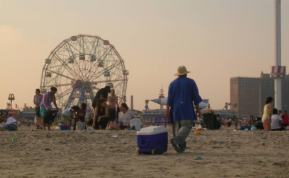 Grace Paley posa els seus personatges a les voreres de Coney Island.