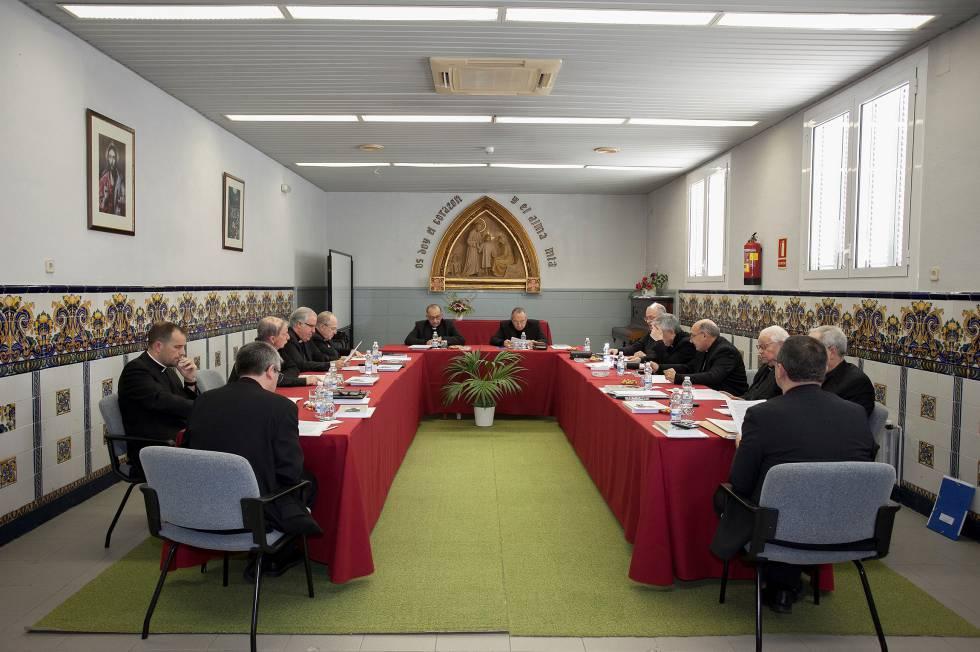 Los obispos reunidos en Tiana.