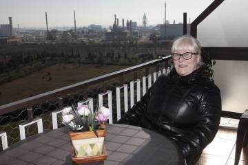 Nuria Nuet, auf der Terrasse ihres Hauses in La Canonja.