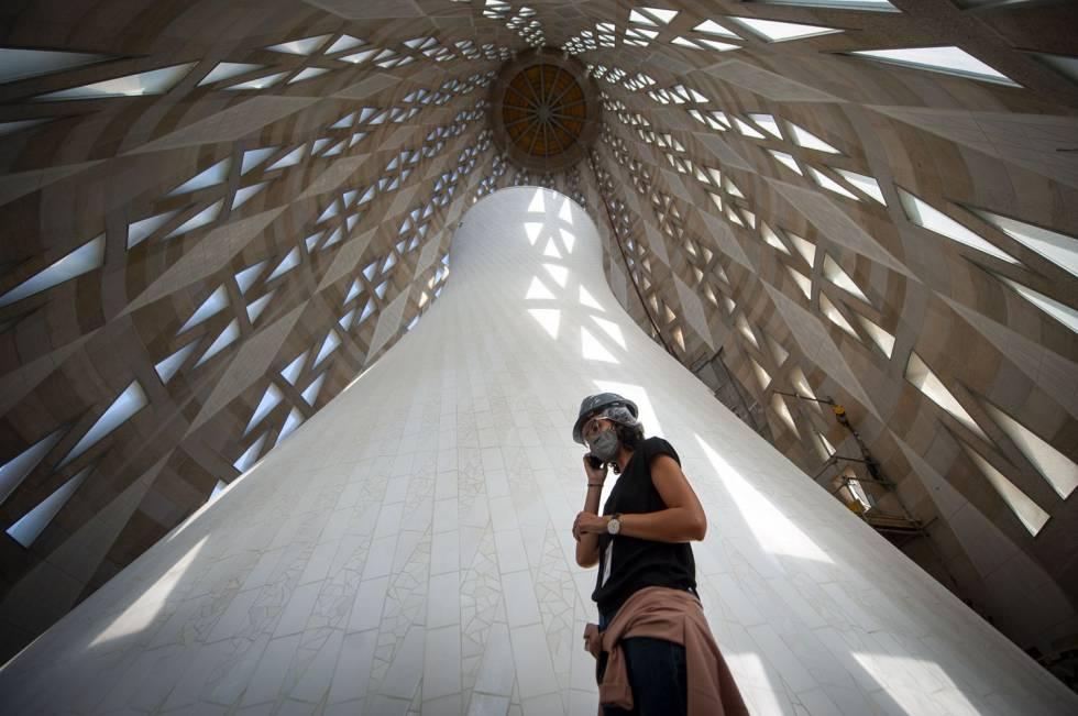 Interior de la torre de la Mare de Déu de la Sagrada Família, que s'acabarà el 2021 i tindrà 138 metres d'altura.