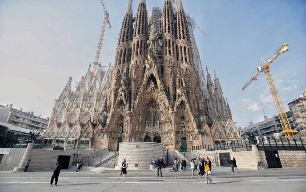 La Sagrada Família la setmana abans del confinament el març del 2020.