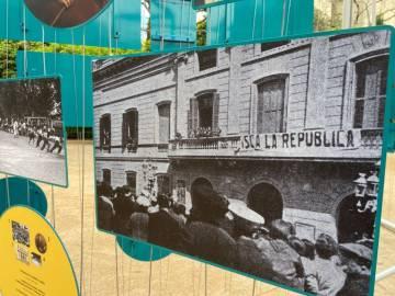 Proclamació de la República el 14 d'abril de 1931 a l'Ajuntament de Sabadell, que pot veure's a l'exposició del Palau Robert.