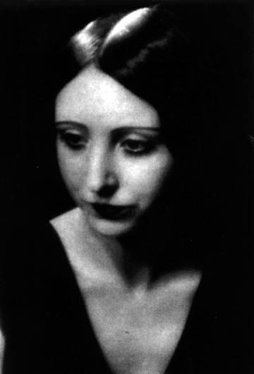 El món va canviar per a Anaïs Nin quan el seu pare la va portar de Barcelona a Nova York: ella es refugiaria en la seva literatura intimista.
