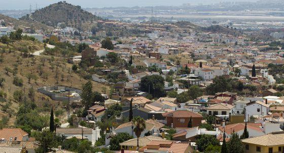 M laga legaliza 900 viviendas alzadas sin licencia en una - Casas embargadas en el puerto de la torre malaga ...