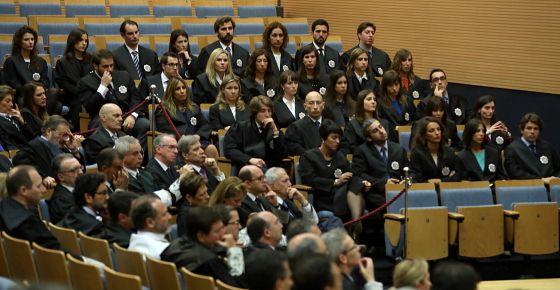 Los nuevos jueces durante el acto de jura del cargo.