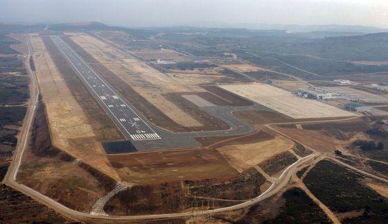 Ryanair launches routes from spain s ghost airport to - El tiempo en torreblanca castellon ...