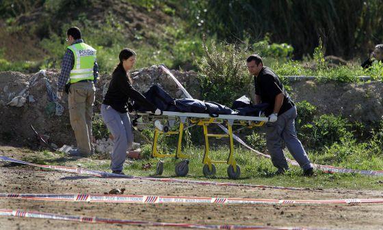 El cadáver de Miglena Petrova de 20 años, tras ser localizadoen Hostalric en 2006.