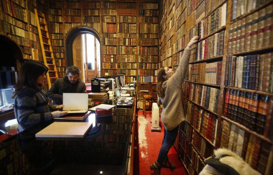 Un tesoro en libros madrid el pa s - Libreria bardon madrid ...