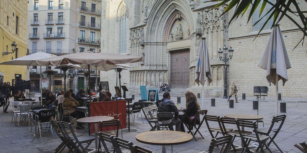 Barcelona afronta otro verano de r cord sin la regulaci n for Trabajos de verano barcelona