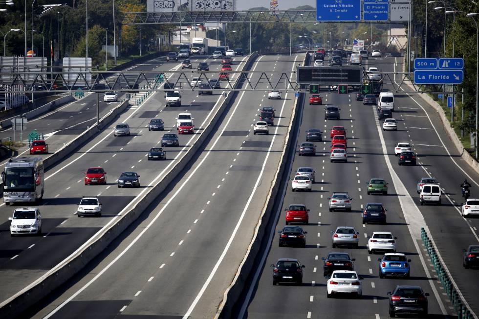 Grandes atascos de salida en las autov as de la regi n for Oficina trafico zaragoza