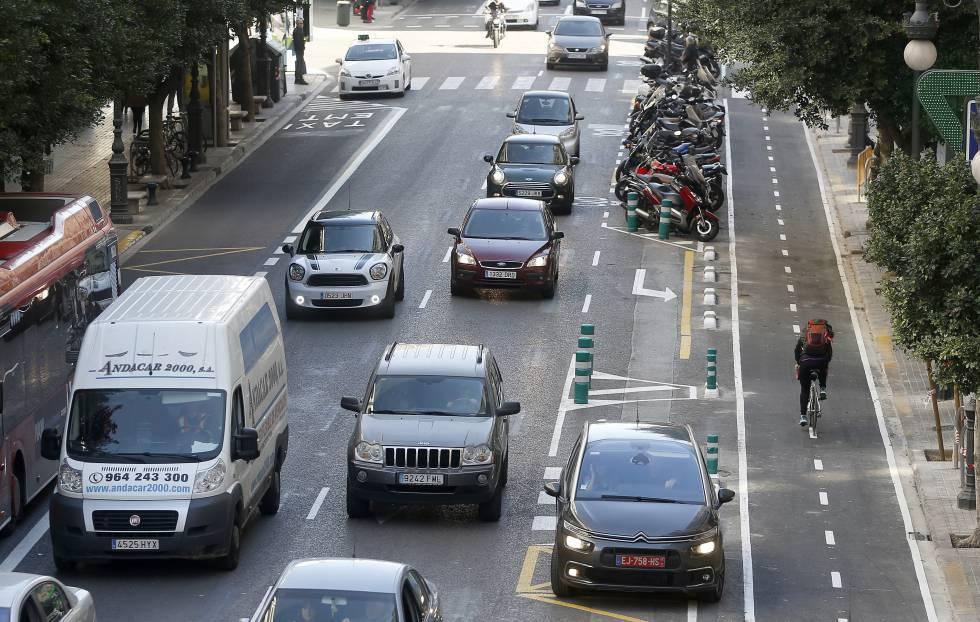 Anillo ciclista a la altura de la calle Colón de Valencia
