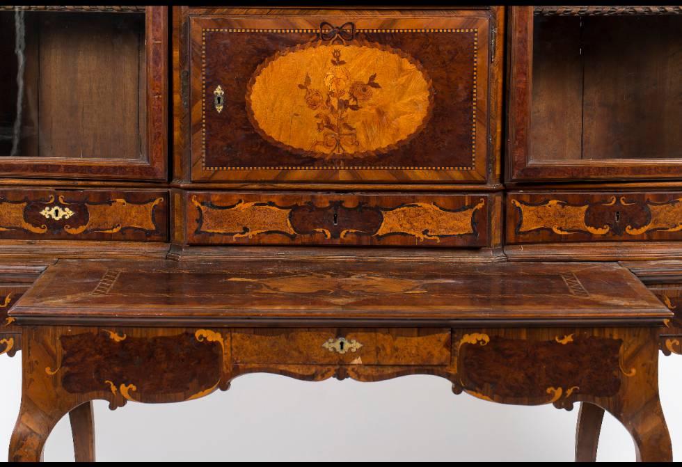 detalle de la parte central del mueble