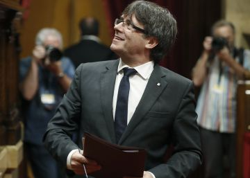 Catalan parliament closes in on 'fast-track' independence process