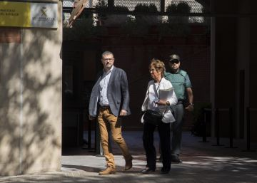 La Guardia Civil investiga por el referéndum al director de Comunicación del Govern