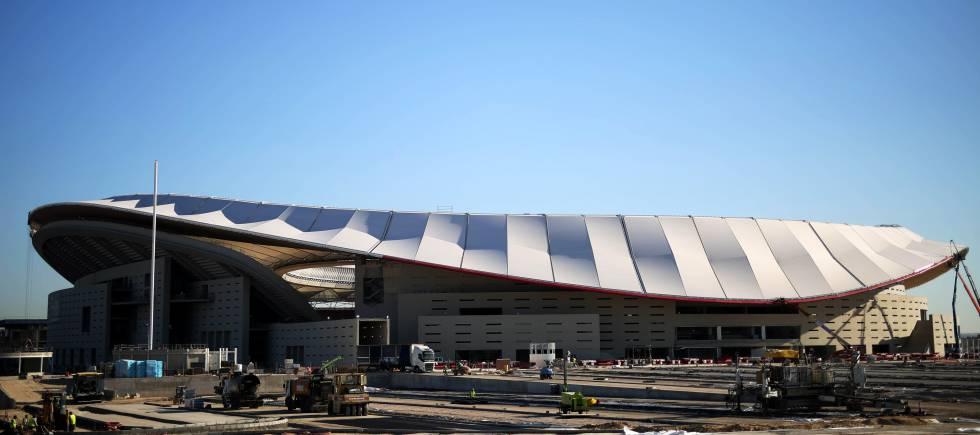 cubierta del estadio wanda sede del atltico de madrid