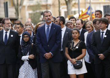 El Rey, Rajoy y Puigdemont, juntos en la marcha