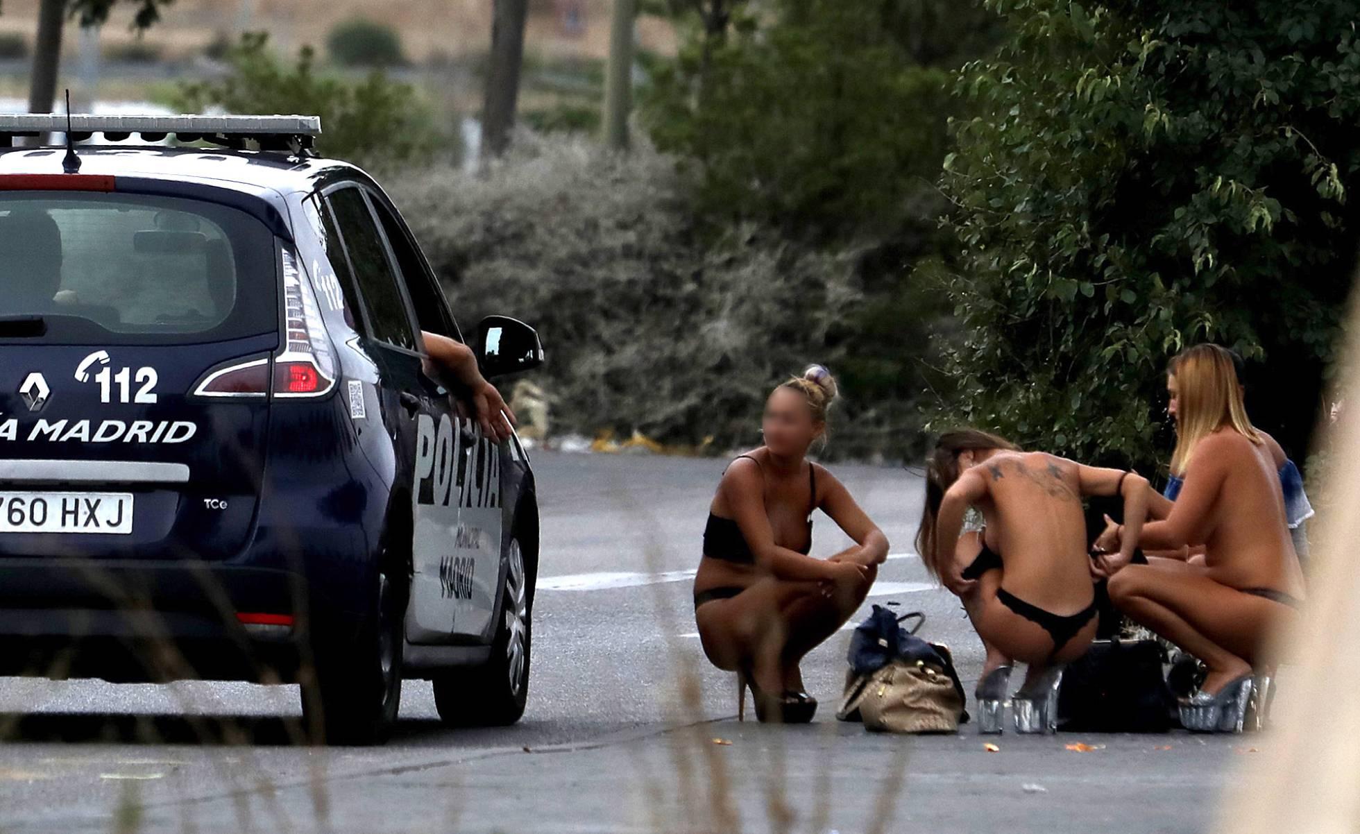 prostitutas españolas desnudas prostitutas coche zaragoza