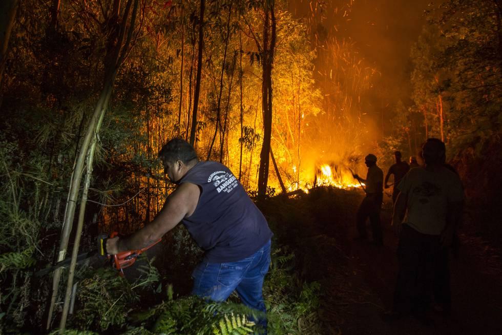 Incendio en Arbo (Pontevedra) en agosto de 2016.