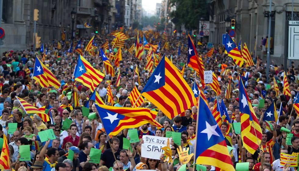 Miles de catalanes tomaron las calles la Diada de 2012.