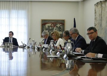 PM activates Article 155, stripping powers of Catalan government