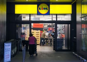 Lidl fires employee for working too much