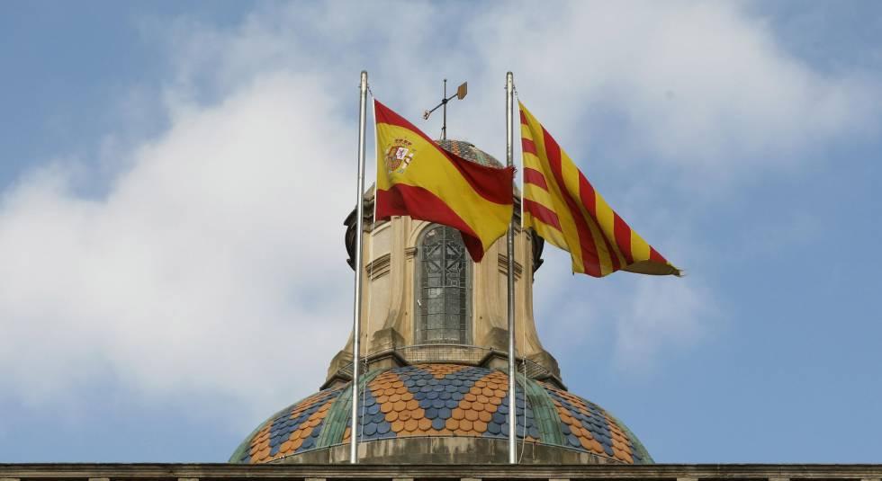 Manifestación multitudinaria en Barcelona por la unidad de España