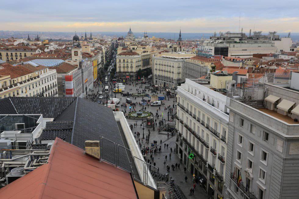 9e703325e Vistas de la Puerta del Sol desde la terraza de uno de los futuros  apartamentos de