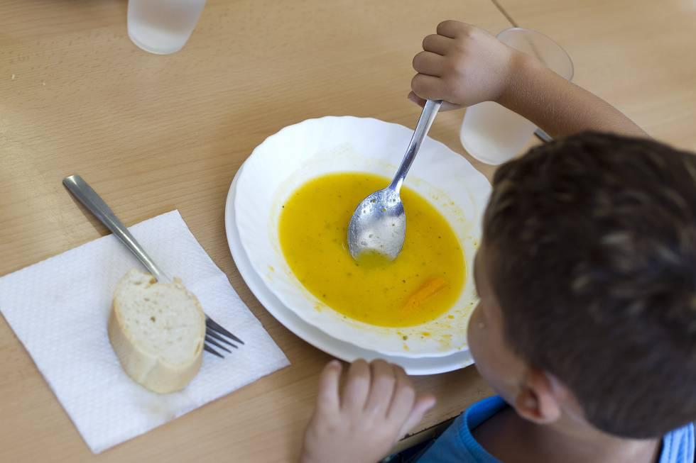 La mitad de menores atendidos por Cruz Roja asegura que pasa frío en ...