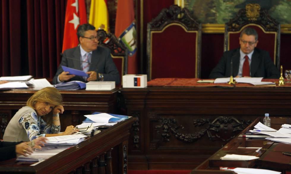 Ana Botella, durante un Pleno del Ayuntamiento de Madrid en 2009.