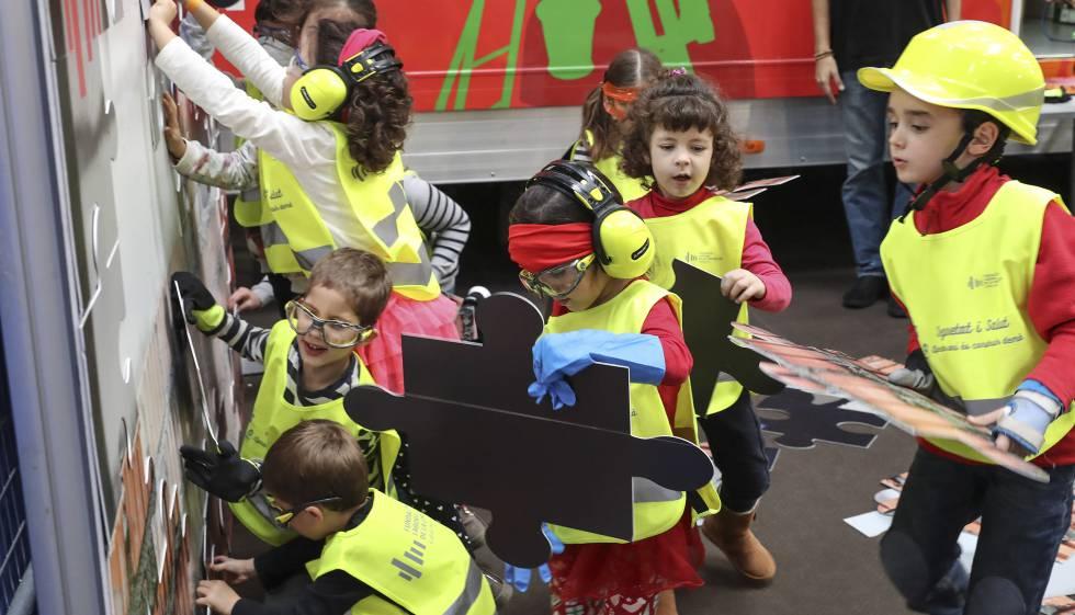 Festival De La Infancia Sin Policia Ni Peppa Pig Cataluna El Pais