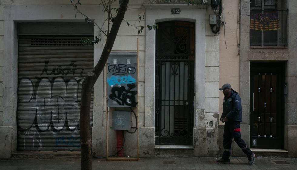 Colau paraliza dos nuevas grandes rehabilitaciones que no for Permiso de obras barcelona