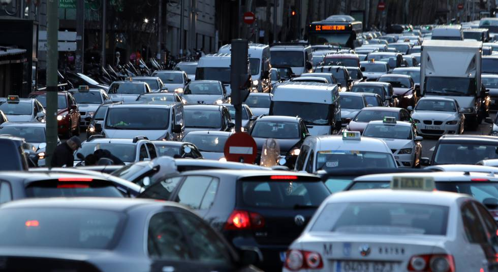 Los atascos crecieron en Madrid en 2017 hasta las 42 horas por conductor al  año | Madrid | EL PAÍS