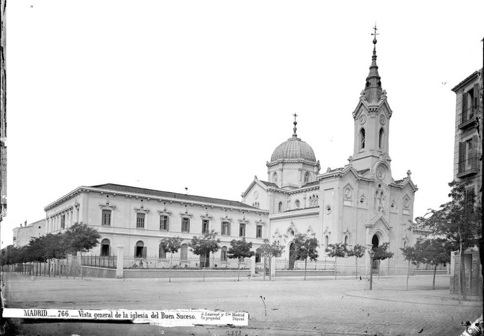 La arquitectura que madrid perdi bajo las bombas madrid for Biblioteca iglesia madrid